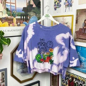 Vintage 2000 Seattle Pikes Place Cropped T-Shirt